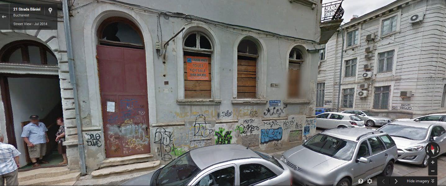 """""""Aspecte urbanistice"""" chiar de lângă biserica Sf. Gheorghe pe care preotul paroh nu le vede."""