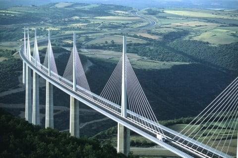 Viaduc de Millau - Architecte Lord Norman Foster (340m haut sur l' A75) - Aveyron (12)