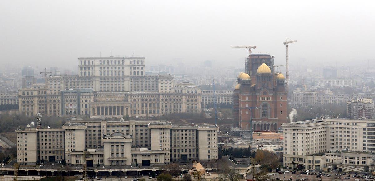 Palatul-Parlamentului-Catedrala-Mantuiri